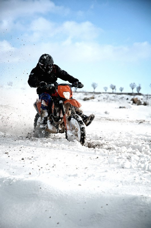 Winter_Motocross_2_by_cabin_pressure.jpg